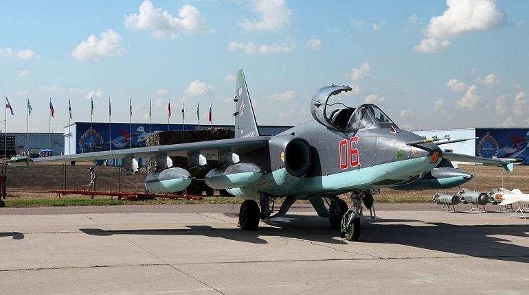 В горах Ширакской области в обнаружен пропавший штурмовик Су-25 армянских ВС. Об этом сообщил в социальной сети пресс-секретарь министра обороны Армении Арцрун Ованнисян.