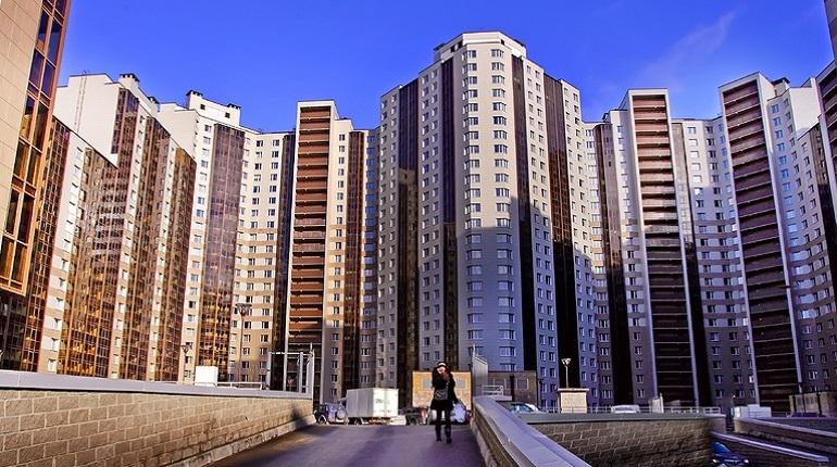 Банк России предлагает разрешить гражданам временно приостанавливать выплаты по ипотеке в трудных жизненных ситуациях, сообщил первый зампред регулятора Сергей Швецов, выступая в Совете Федерации.