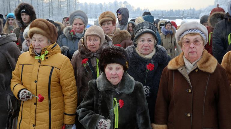 Депутаты Петербурга одобрили на заседании Законодательного собрания в среду, 5 декабря, инициативу, приравнивающую блокадников к отдельной категории ветеранов Великой Отечественной войны лиц.