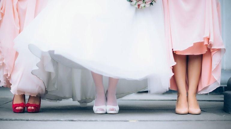 Загсы Петербурга на день захлопнут двери перед женихами и невестами