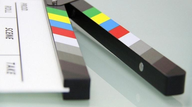 Ограничение движения транспортных средств в связи с проведением съемок фильма «Дылда» произойдет на набережной Кутузова 8 декабря с 12.00 до 15.00.  Об этом