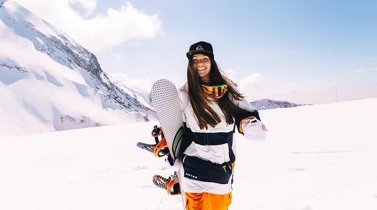 В Петербурге с прошлого года интерес к зимним видам спорта вырос на 19%. В топ-3 излюбленных спортивных снаряжений вошли коньки, лыжи и сноуборд, сообщают аналитики сайта Avito.
