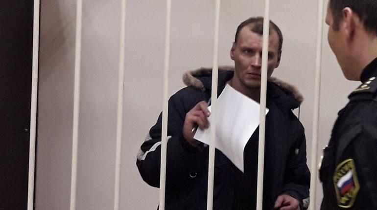 Суд в Петербурге освободил от уголовной ответственности фигуранта уголовного дела о подрыве магазина