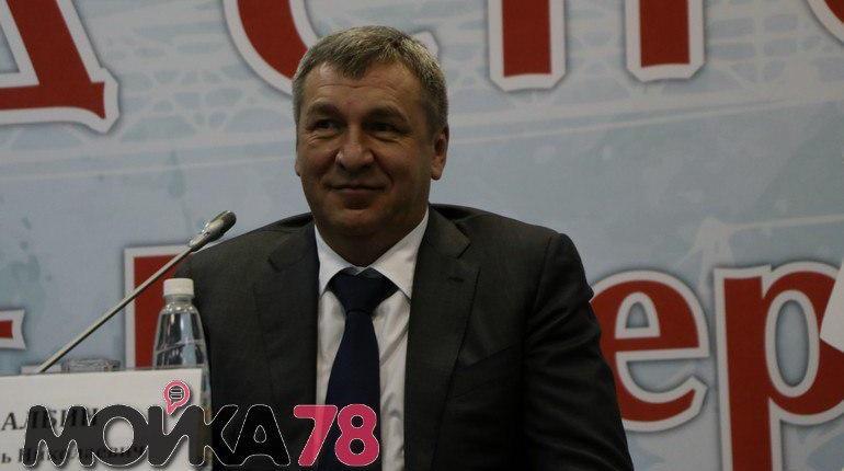 Вице-губернатор Петербурга Игорь Албин 6 декабря на XVI съезде строителей прокомментировал ситуацию с