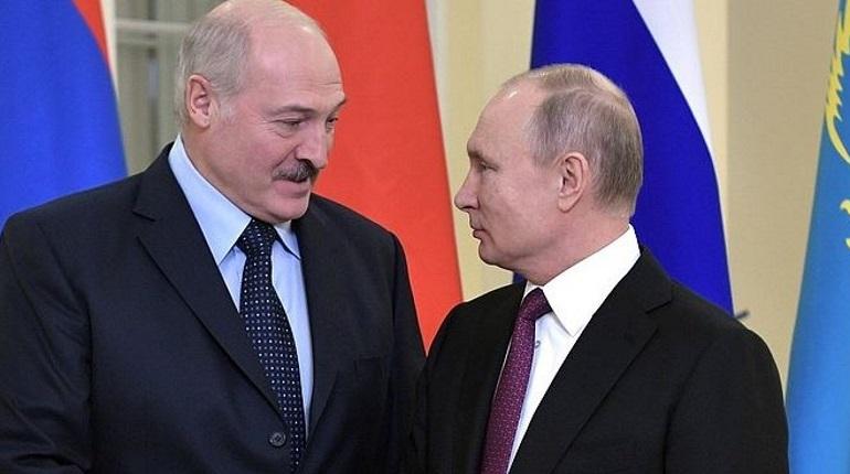 Президент Белоруссии Александр Лукашенко принес извинения перед Владимиром Путиным за публичный спор о стоимости газа, который он начал на заседании Высшего Евразийского экономического совета.
