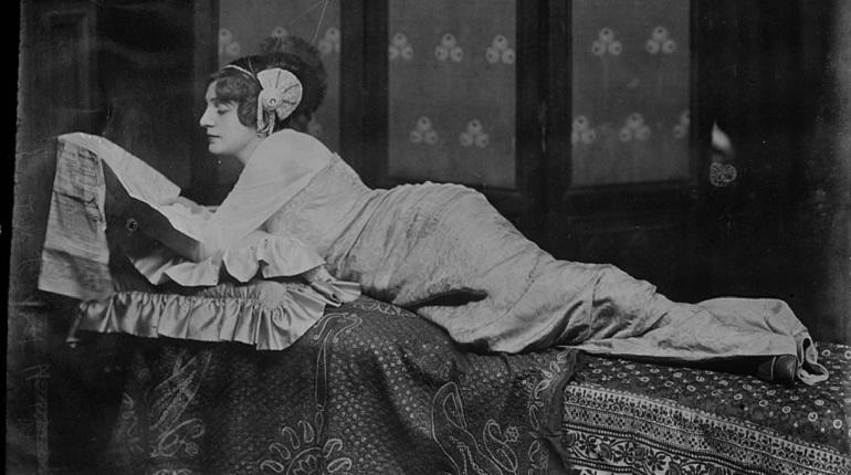 Петербург узнал лица своих главных красавиц ровно 117 лет назад. 7 декабря 1901 года в городе прошел первый в истории конкурс красоты. Правда, имен победительниц первого шоу горожане так и не услышали - девушки выступали анонимно, чтобы не навредить репутации.