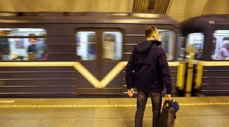 В Петербурге станцию метро «Адмиралтейская» закрыли вечером 7 декабря из-за обнаружения бесхозного предмета. Для пассажиров она не доступна с 22:58, сообщают в метрополитене.