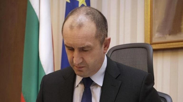 Президент Болгарии Румен Радев полагает, что в инциденте, который произошел в Керченском проливе, участвовала третья сторона. Он также призвал не искать виновных в произошедшем.