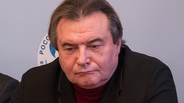 Режиссер Алексей Учитель уже начал работу над фильмом «Сорок семь» о лидере группы «Кино» Викторе Цое. Сейчас ведется подбор актеров.