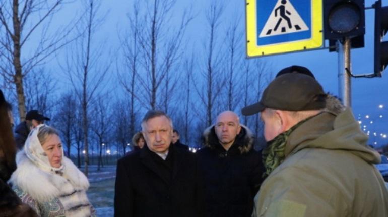 Врио губернатора Санкт-Петербурга Александр Беглов проверил, как чиновники работают с жалобами горожан – он осмотрел объекты в двух районах Петербурга, на которые жаловались местные жители.