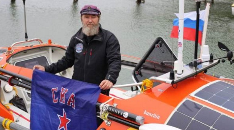 Федор Конюхов отправился в кругосветку с флагом СКА