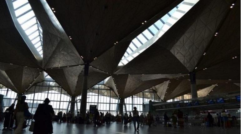 Почти на три часа в Пулково задержали самолет до Доминиканы