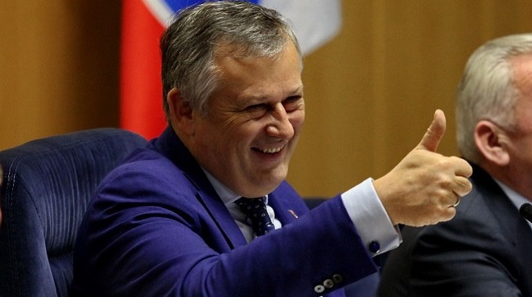 Слова губернатора Ленобласти Александра Дрозденко об активистах, которые не проблемы решают, а борются за власть, удивили жителей Ленобласти. По статье, опубликованной