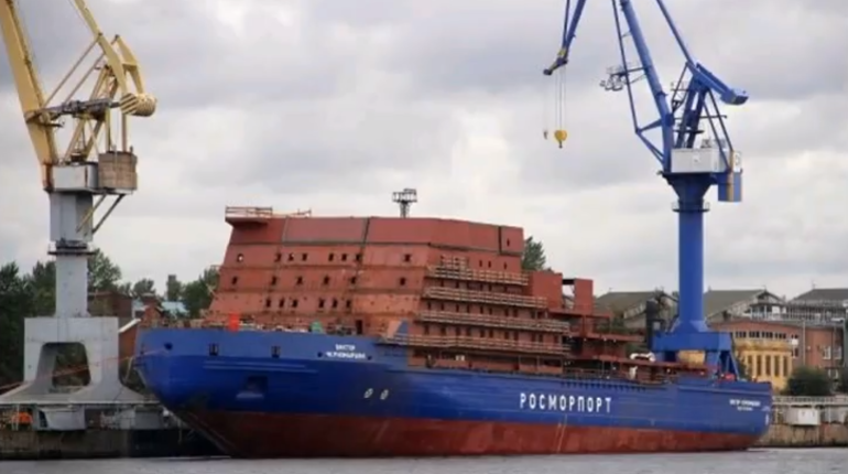 Причиной пожара на ледоколе «Виктор Черномырдин» стал взрыв