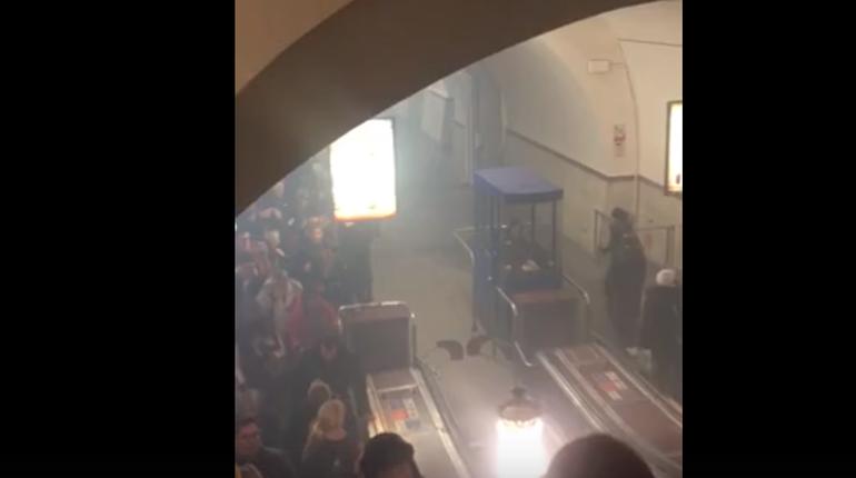 В Петербурге в метро произошло сильное задымление сегодня вечером, 10 октября. В пресс-службе ГУП