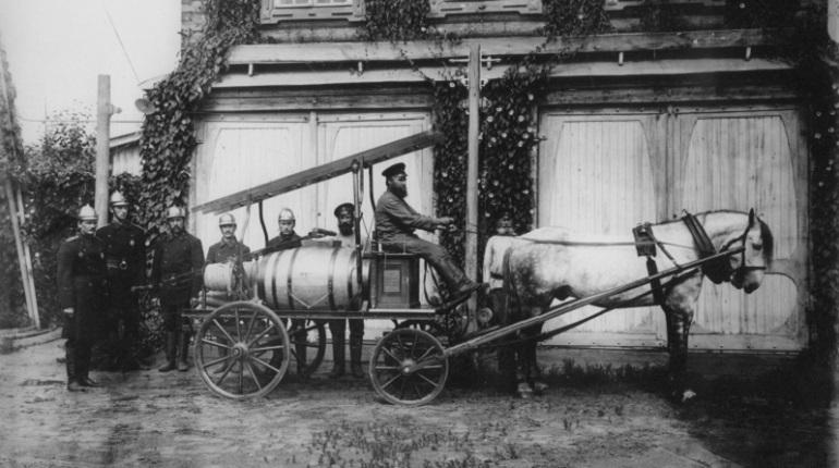 Как первые пожарные Петербурга спасли горожан от бессонницы