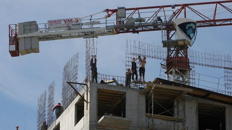 Власти Ленинградской области начнут выкупать свободные квартиры в проблемных долгостроях. Так региональное правительство хочет решить проблемы обманутых дольщиков.