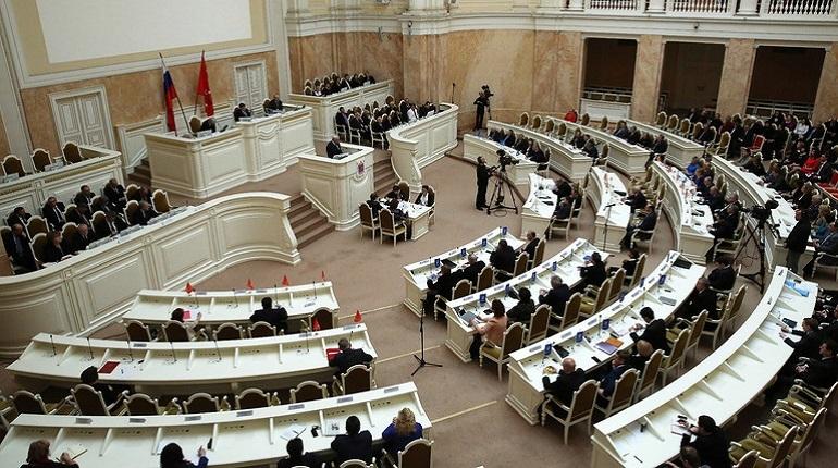 ЗакС принял за основу проект закона, защищающий парк на Смоленке от застройки
