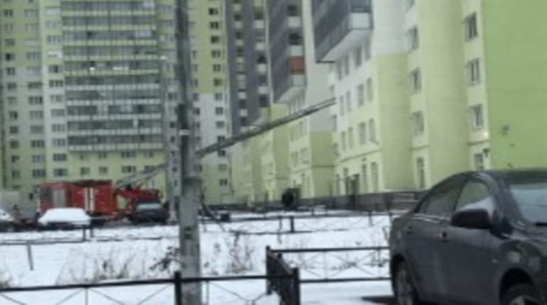 Спасатели приезжали в ЖК «Новая Охта» тушить сгоревший суп