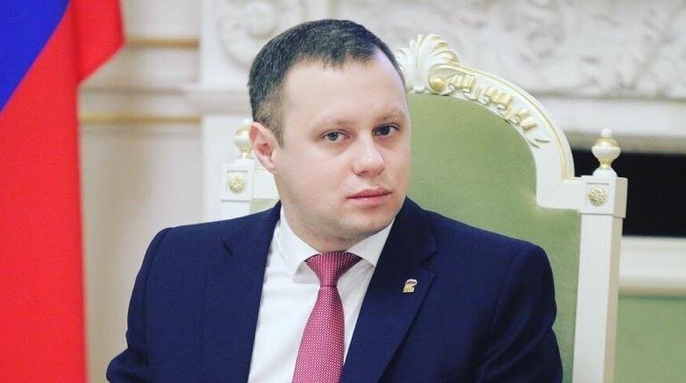 Депутат парламента Петербурга Денис Четырбок предложил объявить мораторий на