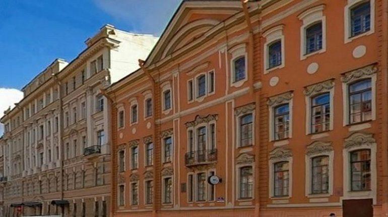 Школа № 204 Центрального района Петербурга, где разместился Кадетский корпус Следственного комитета, будет сохранена. Об этом сообщила 13 декабря глава комитета по образованию Жанна Воробьева.