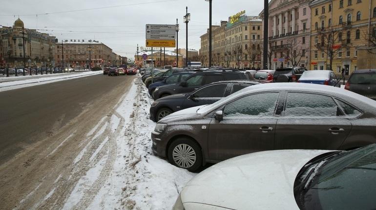 В Петербурге парковку по праздникам и выходным хотят сделать бесплатной