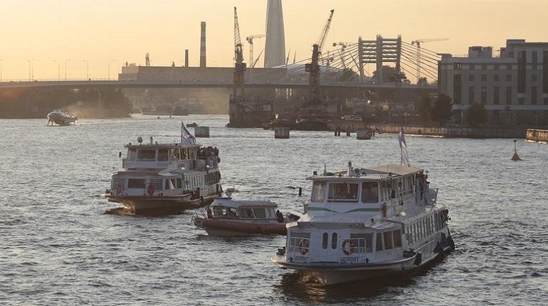 В навигацию-2018 судовладельцы подвезли более 3 млн пассажиров