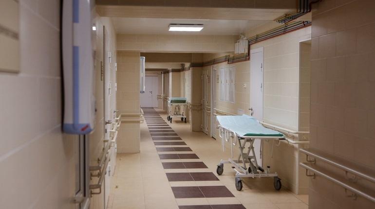 Школьника с травмой головы срочно госпитализировали в Петербурге