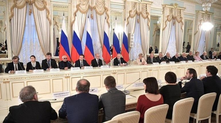 Президент России Владимир Путин надеется, что закон о культуре будет согласован уже весной следующего года.