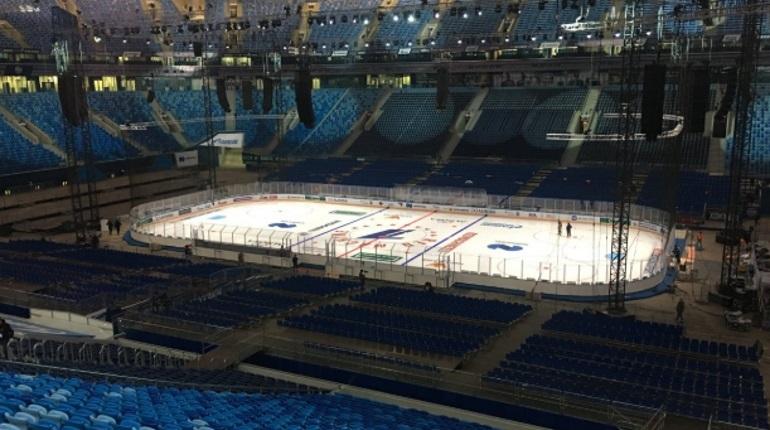 Стадион на Крестовском острове, который с недавних пор называется «Газпром Арена», примет первый в своей истории хоккейный матч. Лед хоккеисты испробуют уже сегодня, 16 декабря. Арена примет матч сборных России и Финляндии.