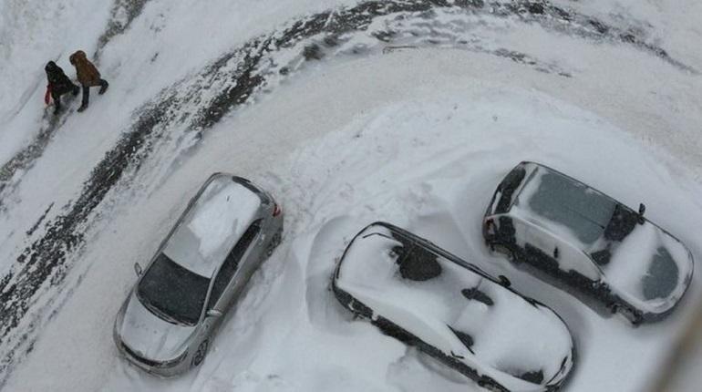 В Ленинградской области с 18 декабря ожидается резкое похолодание. Мороз и гололедица сковали регион в середине декабря. Температура воздуха завтра может опуститься до «минус» 21 градуса.