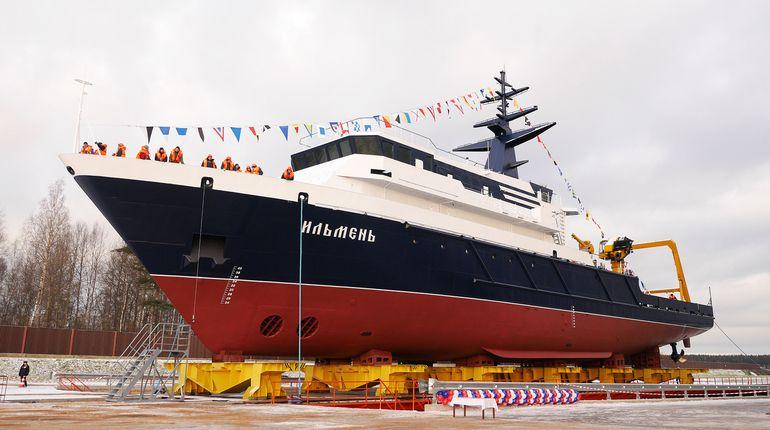 ВПетербурге наводу спущено неповторимое океанографическое судно «Ильмень»