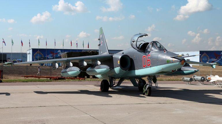 Американский F-22 мешал русским Су-25 выполнить задачу вСирии