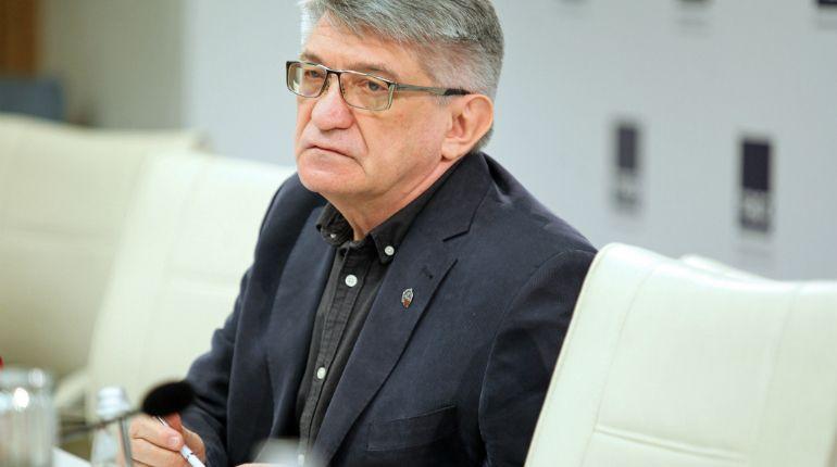 Российский кинорежиссер Александр Сокуров получил премию Европейской киноакадемии за творческие достижения.