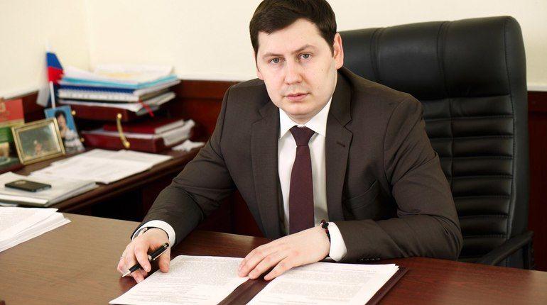 Руководителя петербургской «Молодой гвардии» отправили в отставку