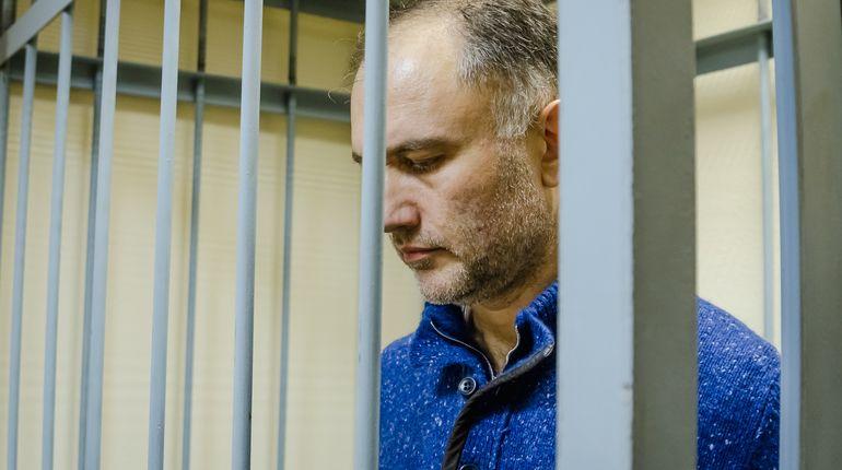 Суд оставил в силе решение о продлении ареста Марату Оганесяну