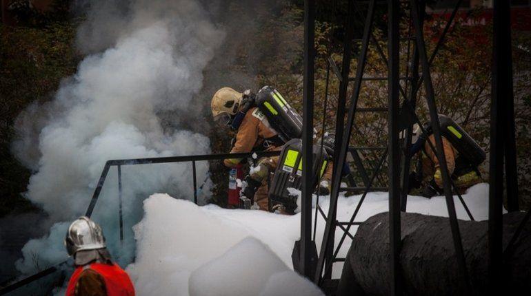 В Москве горит главный павильон ВДНХ