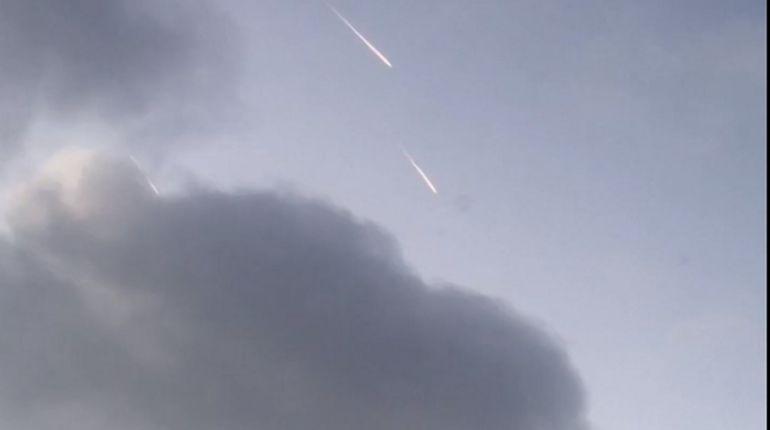 В небе над Петербургом засекли метеоры