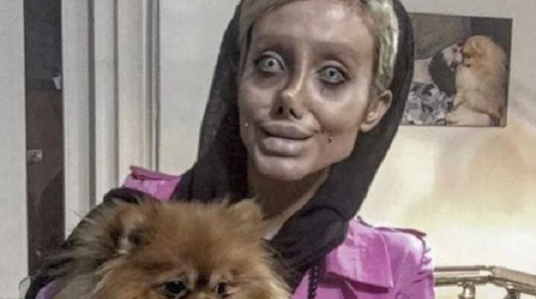 Иранка Сахар Табар заставила сначала всех изумиться, потом испугаться и начать себя жалеть. Закончилось все смехом сквозь слезы. СМИ рассказали, как Instagram-блогерша развела сетевых