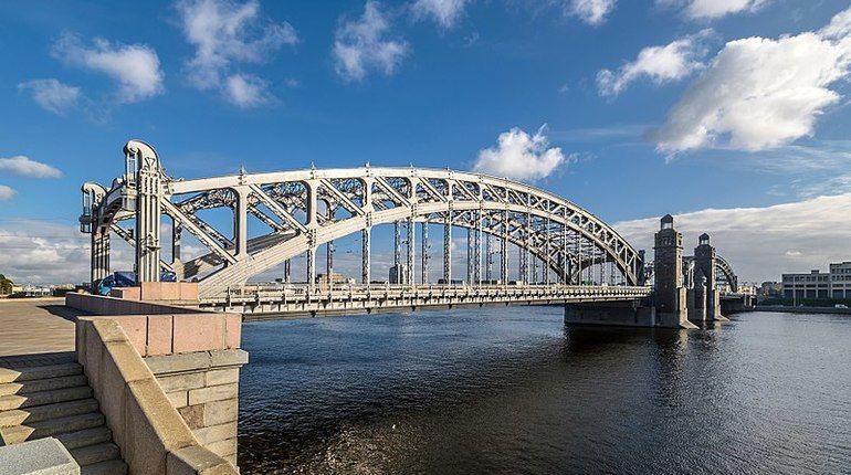 Большеохтинский мост перевели на реверс