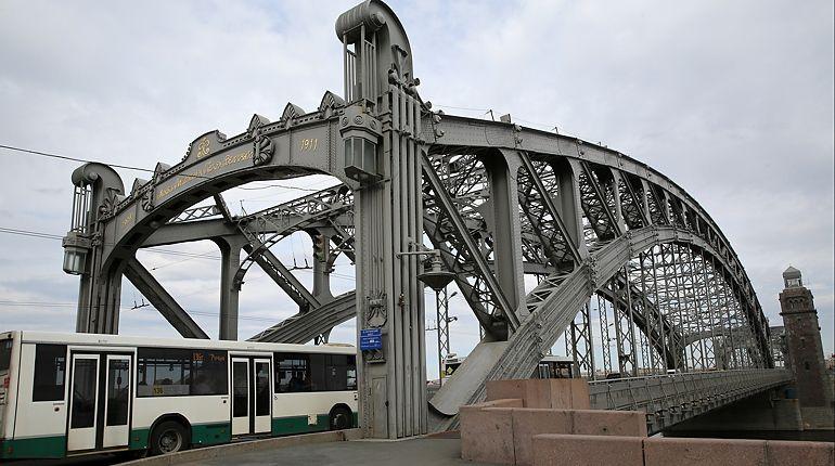 На Большеохтинском мосту обкатывают реверс