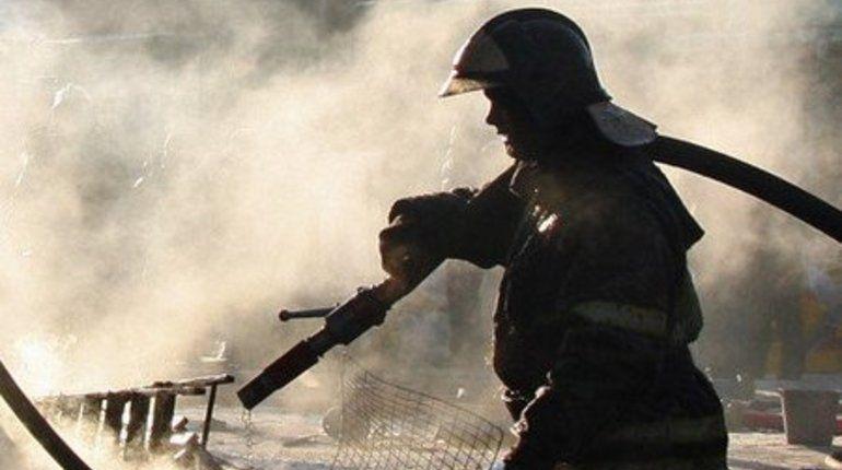 Гаражи на Анисимовской дороге тушили более четырех часов