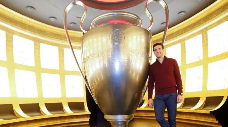 Чемпион мира и владелец «Золотого мяча» Кака завершил карьеру