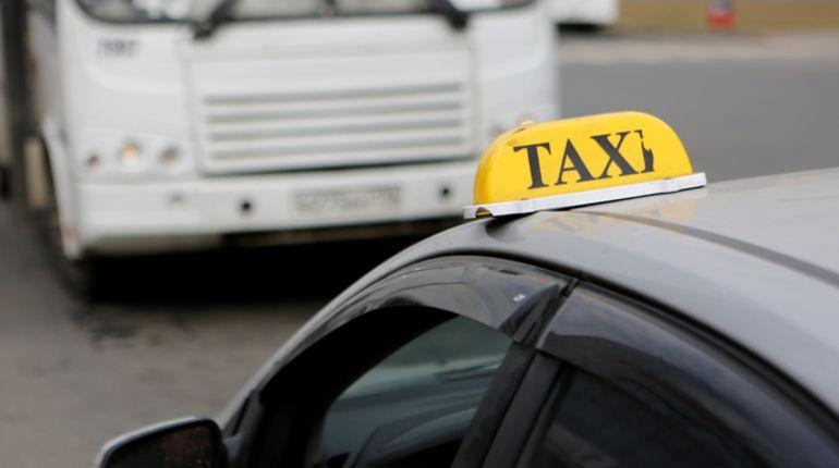 Смольному не нужна кнопка по вызову такси