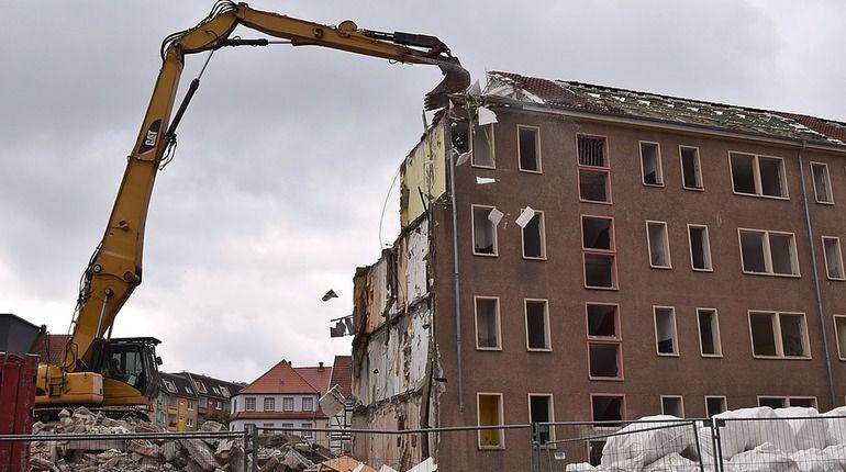 Смольный сносит постройки, ничего не предлагая взамен