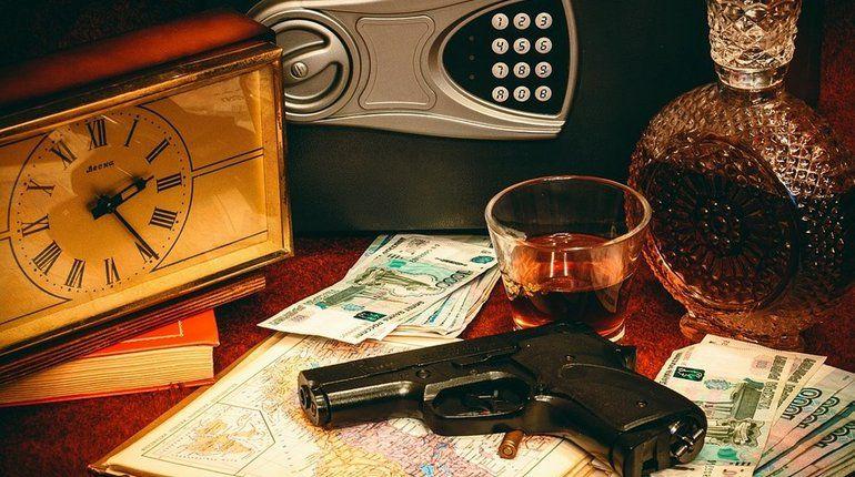 В Ивангороде из двух испуганных мигрантов «вытрясли» 10 тысяч рублей