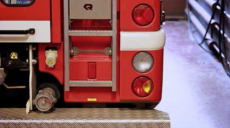 Пожарные спасли «трешку» от огня на проспекте Кузнецова