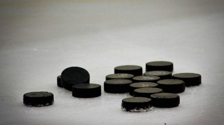 Хоккеист команды МХЛ откусил себе язык