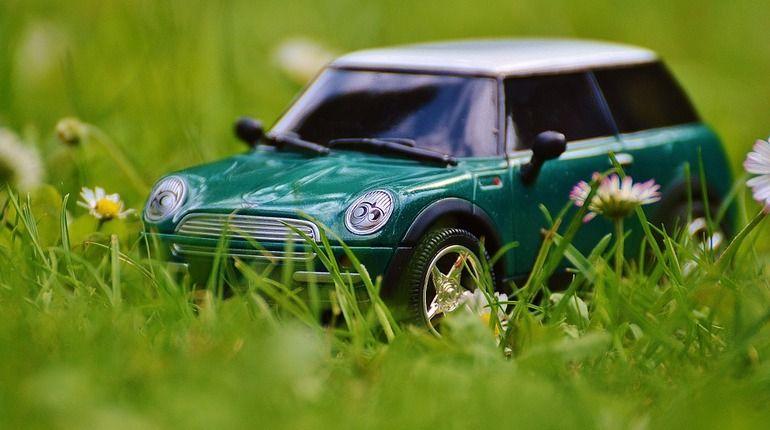 Петербуржцы стали чаще жаловаться на нарушения их прав при покупке автомобилей, в том числе в кредит.