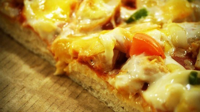 Заказчики ограбили доставщика пиццы вПетербурге